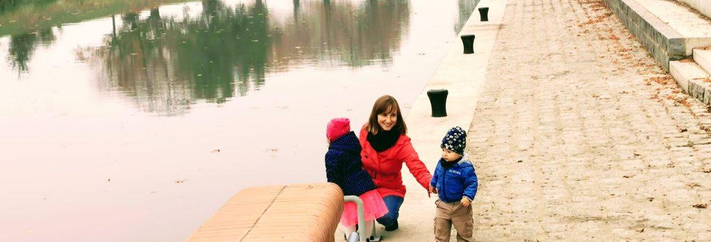 Justyna i jej dzieci nad Odrą